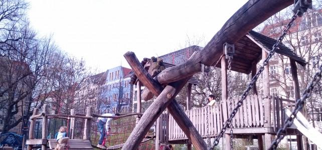"""(Kita-) Spielplatz und Verkehrssicherungspflicht – """"Aufsicht über Bäume"""""""