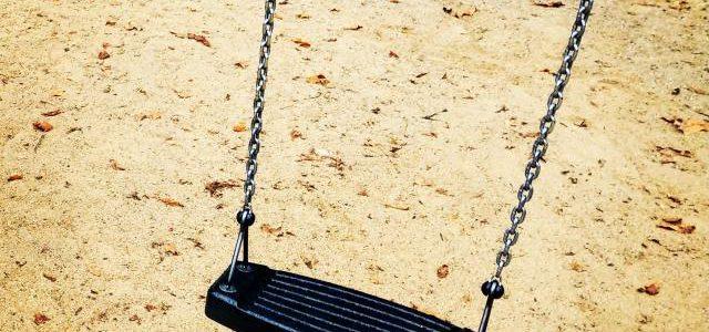 Hinweise der Unfallkassen Nr. 90: Kita-Sandkasten & die Unfallkasse