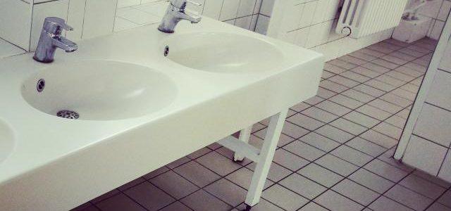 Hinweise der Unfallkassen Nr. 144: Toiletten und Waschbecken in Krippe & Kita