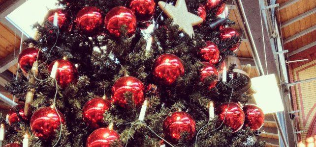 Hinweise der Unfallkassen Nr. 150: Feuergefahren zur Kita-Weihnachtszeit