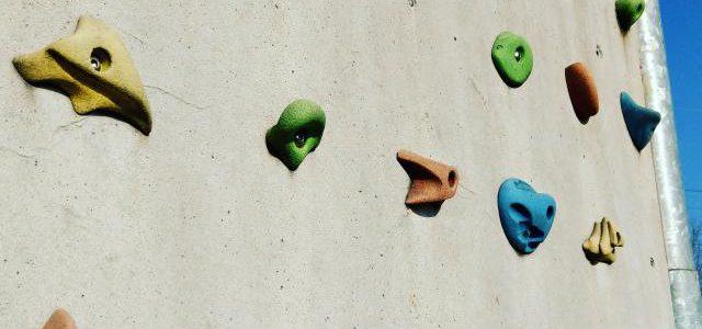 Hinweise der Unfallkassen Nr. 181: Kletterwände in Kita und Schule