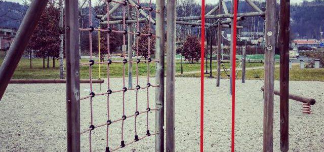 Hinweise der Unfallkassen Nr. 186: Kita-Spielplatz und Kletternetze