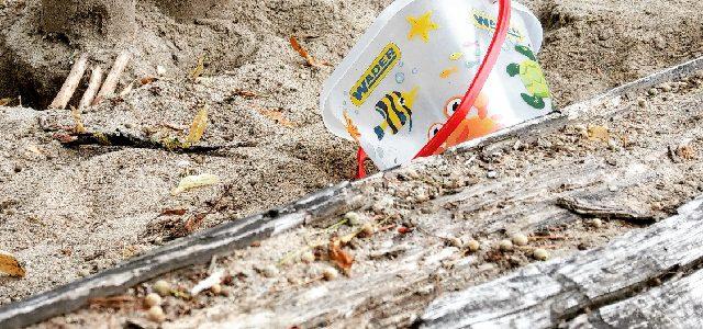 Hinweise der Unfallkassen Nr. 269: Ungeeignete Sandkästen im Kita-Garten